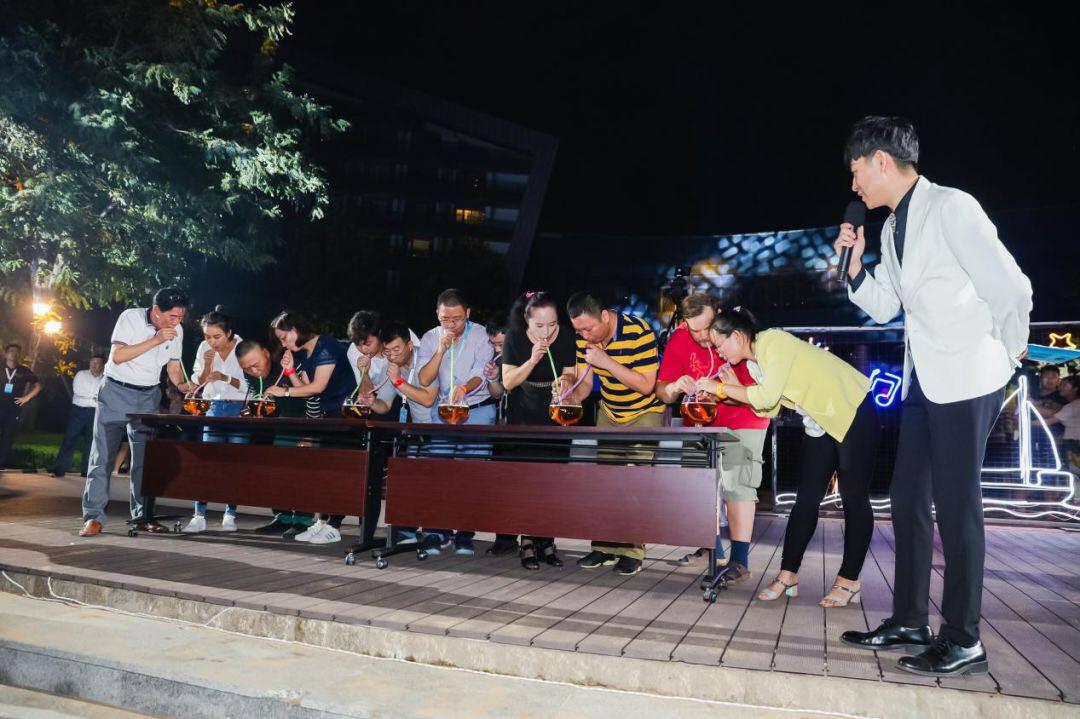 新之航以演出成功成就了山东首家海上舞台演出作业的行业影响力.